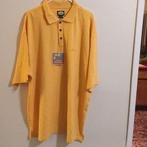 Tommy Bahamas half sleeve T shirt cotton.
